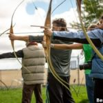 Best Recurve Bow Reviews By Experts (For Best Hunting Experience)